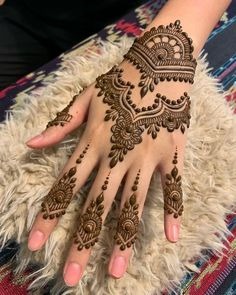 50 Most beautiful Professional Mehndi Design (Professional Henna Design) that you can apply on your Beautiful Hands and Body in daily life. Henna Tattoo Hand, Henna Tattoo Designs, Henna Tattoos, Henna Tattoo Muster, Sexy Tattoos, Finger Henna Designs, Simple Henna Tattoo, Et Tattoo, Mandala Tattoo