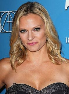 Vinessa Shaw, Movies And Tv Shows, Actors & Actresses, Pin Up, Man Cave, Babies, Women, Babys, Baby