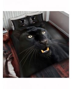 This stunning Black Panther Double Duvet Cover and Pillowcase Set is made from a polycotton blend and is reversible too.