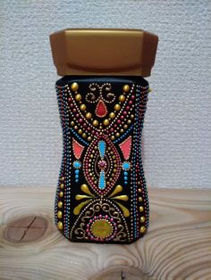 Painted Glass Bottles, Glass Bottle Crafts, Bottle Art, Glass Painting Designs, Dot Art Painting, Diy Bags Patterns, Mandala Painted Rocks, Flower Pot Design, Mandala Art Lesson