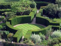 Sissinghurst Castle Garden – The Most Visited Garden in England