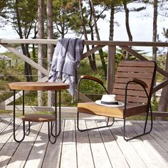 Un salon outdoor Teak Garden Furniture, Outdoor Living Furniture, Solid Wood Furniture, Garden Chairs, Garden Coffee Table, Outdoor Coffee Tables, Outdoor Dining Set, Outdoor Cushions, Outdoor Chairs