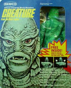 The Creature from the Black Lagoon - Remco action figure. See/read more… Scary Monsters, Famous Monsters, Retro Toys, Vintage Toys, Vintage Movies, Horror Action Figures, Monster Toys, Monster Mash, Fantasy Comics