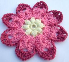 http://www.leoniemorgan.com/2011/04/free-crochet-pattern-octagon-flower.html