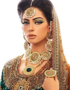 Explore latest Pakistani Bridal Collection for wedding shopping at priceblaze. Shop wedding dresses, bridal shoes, makeup & jewelry from online stores. Asian Bridal Makeup, Indian Makeup, Indian Beauty, Arabic Makeup, Indian Bridal Wear, Pakistani Bridal, Moda Indiana, Desi Bride, Beauty And Fashion