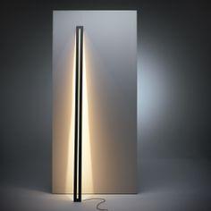 Leaning floor lamp. 225 cm high. Dutch lighting design in LED.