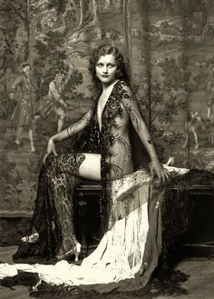 Anna Lee Patterson (Ziegfeld Girl)  Photography by Alfred Cheney Johnston