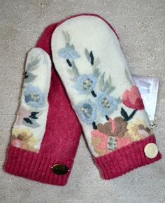 HANDMADE recycled wool sweater MITTENS Fleece by NordicStarStudio