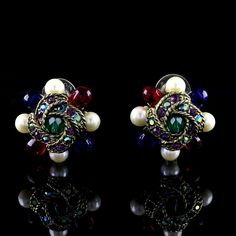 Rare Joan Rivers Gold Tone Bead & Crystal Cluster Jeweled Pierced Earrings E028 #JoanRivers #Stud