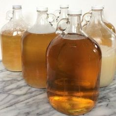 Homemade Liquid Castile Soap:I made 6 gallons of liquid soap so you don't have to. Bronner's Liquid Castile Soap. It's been an all-in-one, all-natural cleaning solution for generations of h… Diy Savon, Savon Soap, Natural Cleaning Solutions, Natural Cleaning Products, Limpieza Natural, Liquid Castile Soap, Glycerin Soap, Castile Soap Recipes, Wie Macht Man