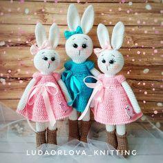 How To Crochet an Amigurumi Rabbit - Craft & Patterns Crochet Toys Patterns, Amigurumi Patterns, Stuffed Toys Patterns, Amigurumi Doll, Knitted Bunnies, Knitted Dolls, Crochet Dolls, Cute Desk Accessories, Rabbit Crafts