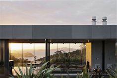 Island Retreat by Fearon Hay Arquitectos