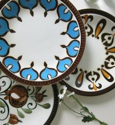 Hey, I found this really awesome Etsy listing at https://www.etsy.com/listing/241203062/three-vintage-plates-with-blue-orange