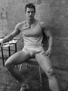 brazen68: nicemale: Chris Bailey —- Come hang with Bi-Top Married Dad: Links to my blog