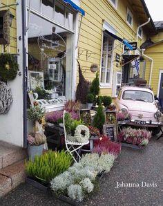 Porvoo, Finland Scandinavian Food, Scandinavian Countries, Finland Destinations, Travel Destinations, Finland Travel, Fall Photos, Helsinki, Places Ive Been, Tours