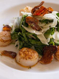 Seared Atlantic Sea #Scallops with spinach & shaved fennel salad and warm bacon vinaigrette are a Chef's Special for November at Glenmorgan.