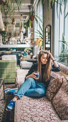 3 trendige Hipster Cafés in Wien // Instawalk - Hipster Cafe, Hipster Coffee Shop, Coffee Shop Bar, Car Interior Sketch, White Tulle Skirt, Surf, Red Homecoming Dresses, Reisen In Europa, Restaurants