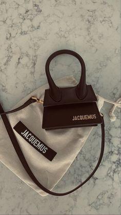 Luxury Purses, Luxury Bags, Mini Handbags, Purses And Handbags, Brown Aesthetic, Aesthetic Vintage, Fashion Bags, Fashion Handbags, Feeds Instagram