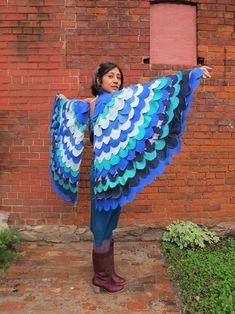 DIY Halloween costumes, homemade, wings, bird costume, blue bird or peacock