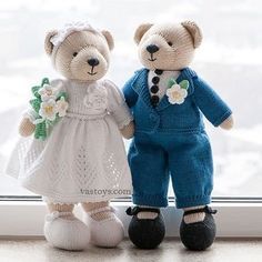 Hand made knitted toys cotton wedding teddy by SweetFunnyBunny Knitted Bunnies, Knitted Teddy Bear, Knitted Animals, Knitted Dolls, Crochet Toys, Knitted Wedding Dolls, Animal Knitting Patterns, Crochet Patterns, Knit Stitches For Beginners