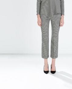 love these cropped trousers