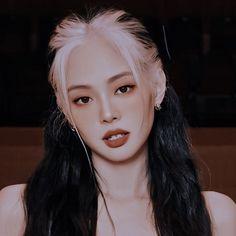 Kpop Aesthetic, Aesthetic Girl, Cool Girl, My Girl, Jennie Kim Blackpink, Blackpink Photos, Blackpink Jisoo, Kpop Girls, Role Models