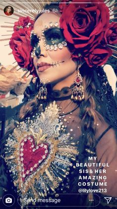 Hold Me Tight Or Don't vibes 😍 Halloween Inspo, Halloween Fashion, Halloween 2017, Halloween Crafts, Halloween Makeup, Halloween Decorations, Halloween Party, Catrina Costume, Doll Costume
