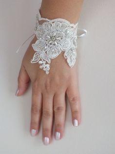 romantique dentelle Bracelet, bracelet  nuptiale, bracelet en perles de mariée, brassard, brassard de mariage, gants nuptiale, dentelle brassard,