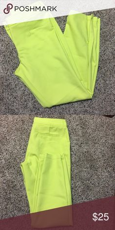 Forever xxi cropped trousers Lime colored cropped trousers with ankle zipper Forever 21 Pants Ankle & Cropped