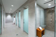 Lululemon Athletica Office by Gustavson Wylie Architects - Office Snapshots Lululemon Athletica - Vancouver Offices - Office Snapshots<br> Locker Room Bathroom, Gym Showers, Gym Center, Toilette Design, Gym Lockers, Restroom Design, Public Bathrooms, Spa Design, Changing Room
