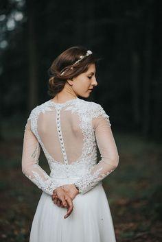 Piękna koronkowa suknia ślubna Gala Piwone, rustykalna 2016
