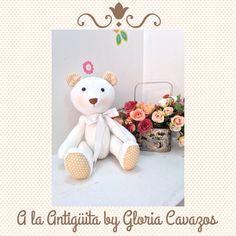 A la Antigüita by Gloria Cavazos #osoteddy muñeca de trapo