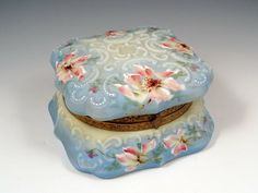 Wavecrest Nakara dresser box. This glassware is a hundred years old and look at the beauty...