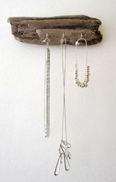idée en bois - cintre à bijoux