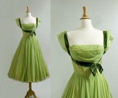 1950s 50 Style Dresses, Trendy Dresses, Fashion Dresses, Fashion Styles, Retro Mode, Mode Vintage, Vintage Style, Vintage Dresses, Vintage Outfits