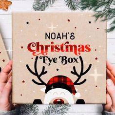 Diy Christmas Eve Box, Personalised Christmas Eve Box, Merry Little Christmas, Christmas Projects, Christmas Tree Ornaments, Christmas Cookies, Christmas Traditions, Personalized Gifts, Christmas Crafts
