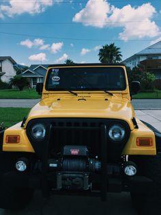 Jeep Jeep, Jeep Wrangler, My Dream Car, Dream Cars, Jeep Wave, Cool Jeeps, Cute Cars, Mellow Yellow, Car Photos