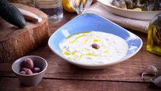Salsa de yogur  En el capítulo 1 del programa Cocina griega, la cocinera María Zannia prepara una Salsa de yogur (Tzatziki). La salsa de yogur, conocida con el nombre de...