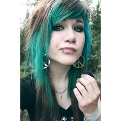 blue hair | Tumblr ❤ liked on Polyvore featuring hair, girls, people, pictures and models
