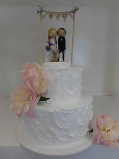 White spackled wedding cake