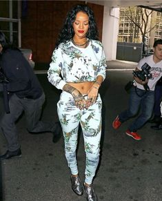 Rihanna wearing Jacquie Aiche Double Crescent Horn Cuff Jacquie Aiche H Cuff Zoe Karssen Paradise Loose-Fit Sweatshirt Zoe Karssen Paradise Loose-Fit Low Waist Sweat Pants in Soothing Sea Barbara Bui Moccasins Chanel Spring 2012 Mint Python Clutch Star Fashion, Daily Fashion, Love Fashion, Fashion News, Trendy Fashion, Fashion 2014, Petite Fashion, Fashion Bloggers, Curvy Fashion