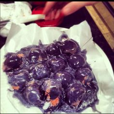 "Nailed it!!!! Pinterest FAIL.. ""trying to make cake balls"" Food Fails, Fail Nails, Pinterest Fails, Haha Funny, Feel Better, Laughing, Blueberry, Balls, Baking"