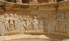 Les tres Gràcies i el Judici de Paris (tema d'una pantomima), relleu de l'escenari (pulpitum), teatre de Sàbrata Judgement Of Paris, Roman Theatre, Daughter Of Zeus, Trojan War, Roman City, Carthage, Ancient Artifacts, Ancient Rome, North Africa
