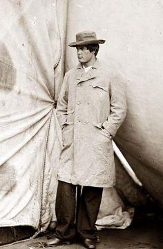 Lincoln conspirator Lewis Powell (aka Payne), in custody at Washington Navy Yard.  Photographed by Alexander Gardner.