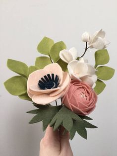 If you're dieting to lose a few pounds, try eating pineapple -- Check out this great article. Felt Flower Bouquet, Gift Bouquet, Anemone Flower, Felt Flowers, Diy Flowers, Fabric Flowers, Paper Flowers, Felt Diy, Handmade Felt