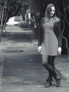 Bianca Schultz   Blog de Moda e Beleza: Look: Vestido listrado e blazer
