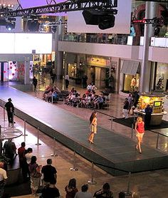 "tripYIP.com - ""Fun Things To Do!"" loves  LAS VEGAS:  FASHION SHOW MALL'S RUNWAY FASHION SHOW:  Every weekend enjoy live runway shows  & the latest styles at Fashion Show Mall."
