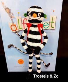 Troetels en zo: Letterdief bij het alfabetboek Crochet For Kids, Diy Crochet, Book Crafts, Diy And Crafts, Craft Books, Chrochet, Tatting, Letters, Christmas Ornaments