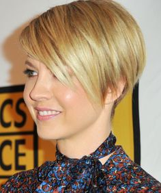 how to cut hair from a pixie into a bob | Jenna Elfman's Short, Edgy Haircut