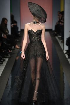 not a girl for hats, but I love this Gothic dress    #TopshopPromQueen